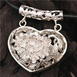 日常生活中佩戴银饰品要注意什么