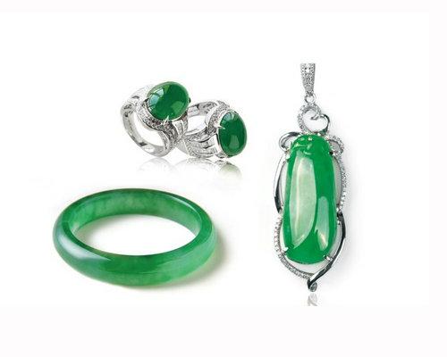 翡翠首饰是高档的珠宝首饰