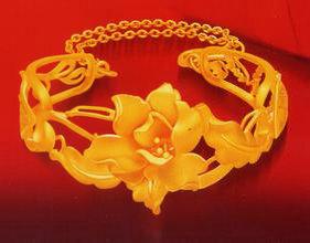 黄金饰品泛白秘密及处理方法