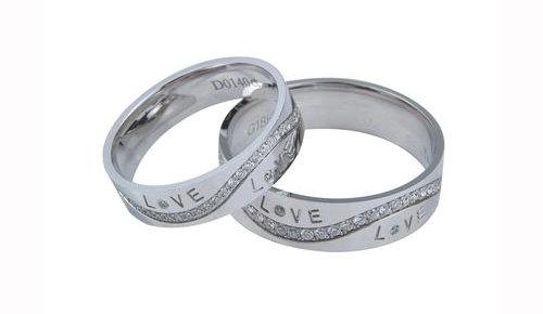 定制结婚钻戒刻字需要注意哪些?