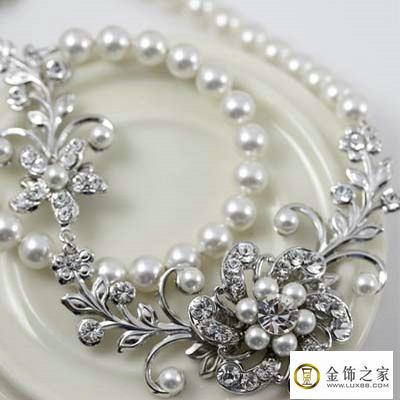 天然珍珠美无暇 精挑细选有门道!